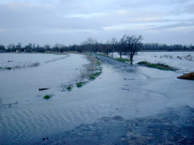 Flooding on Fen Road - February 2001